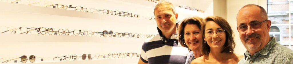 Ihr Optiker in Frankfurt – Colibri Augenoptik Klaus Metz Aus Freude am Sehen Seit Juli 1989 bieten Ihre Optiker in Frankfurt typoptimierte Brillen unabhängiger Hersteller sowie Kontaktlinsen mit höchstem Tragekomfort. Unser erklärtes Ziel ist es, für unseren Kunden die typoptimierte Brille zu finden, die ästhetisch und funktional keine Wünsche offen lässt …