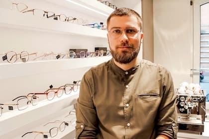 Optiker Frankfurt - Tim Diehl - Augenoptikermeister und Optometrist